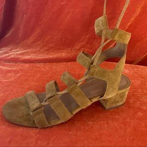 """🍁 FRYE 2"""" SUEDE block heel sz 8"""
